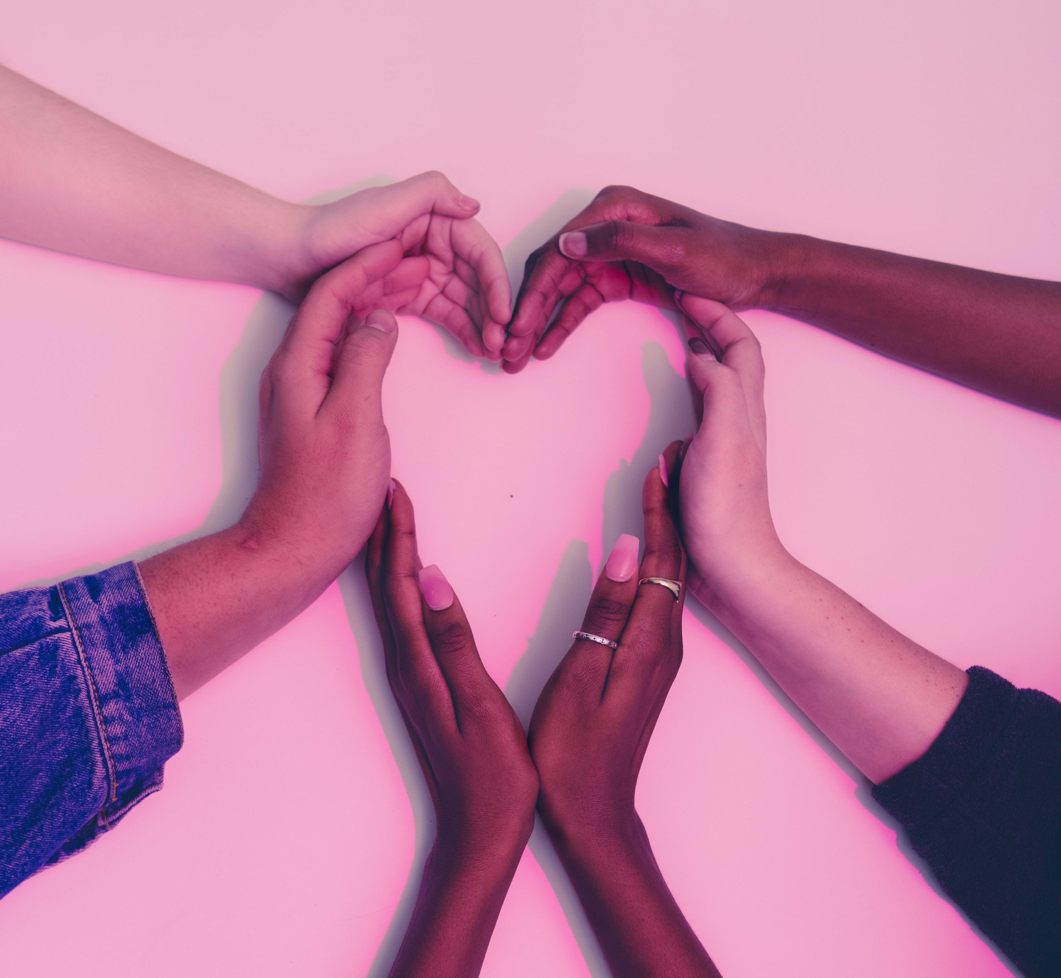 hands-heart-love-305530 (1) (1)